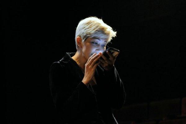 Melissa Dunphy performsiHamlet.