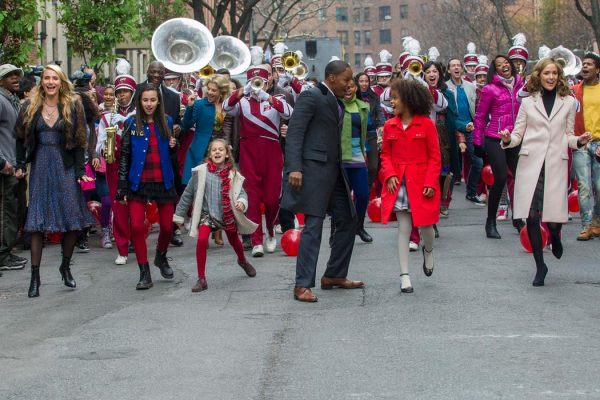 Scene of a parade from the 2014 movie Annie.