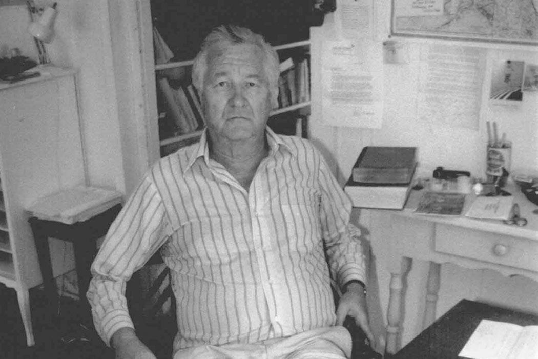 """Bill Styron in his West Chop writing room on Martha's Vineyard - August 1989"" by Williamwaterway - Own work. Licensed under CC BY-SA 3.0 via <a href=""https://commons.wikimedia.org/wiki/File:Bill_Styron_in_his_West_Chop_writing_room_on_Martha%27s_Vineyard_-_August_1989.jpg#/media/File:Bill_Styron_in_his_West_Chop_writing_room_on_Martha%27s_Vineyard_-_August_1989.jpg"" target=""_blank"">Wikimedia Commons</a>"