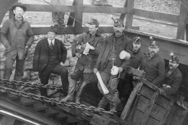 """Hazelton coal miners"". Licensed under Public Domain via <a href=""https://commons.wikimedia.org/wiki/File:Hazelton_coal_miners.jpg#/media/File:Hazelton_coal_miners.jpg"" target=""_blank"">Commons</a>"