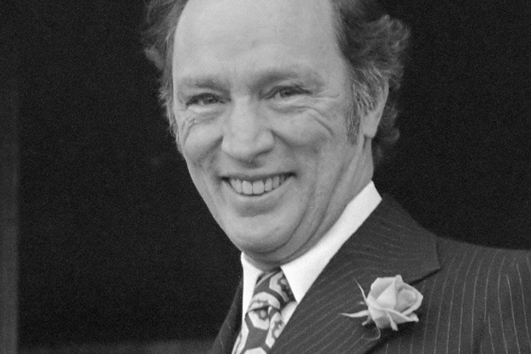 Hare Majesteit ontvangt premier Trudeau op Paleis Soestdijk 27 februari 1975