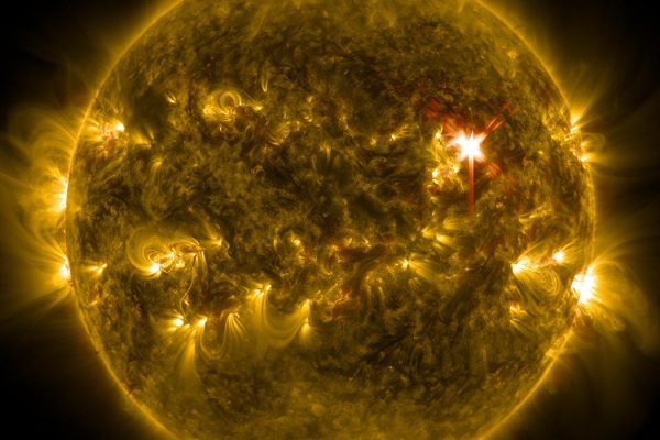 Extreme ultraviolet light streams out of an X-class solar flare