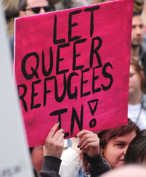 queer_refugees sign