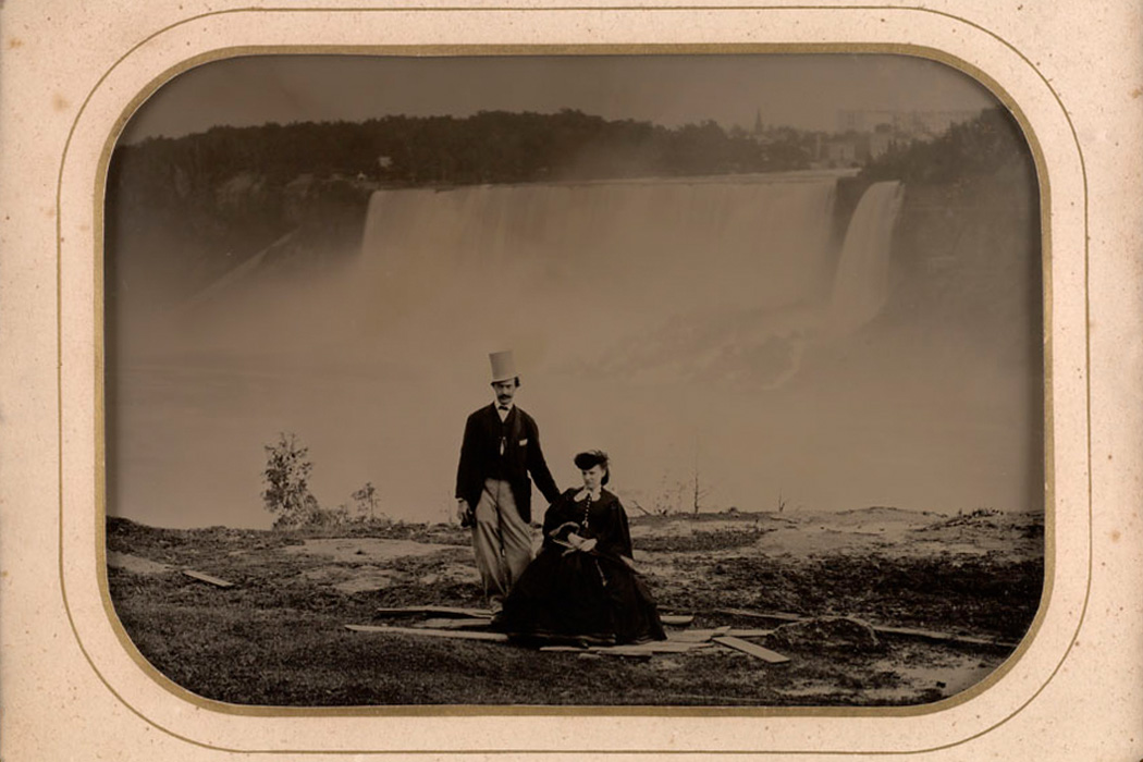 Couple at Niagara Falls