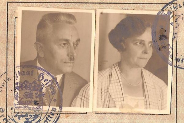 German dissidents Friedrich and Pauline Kellner's 1935 passport photos