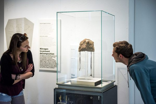 Otzi the Iceman's hat