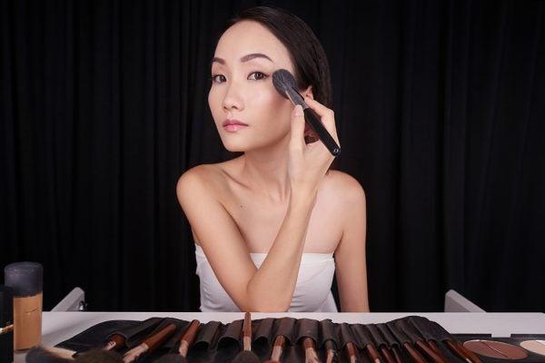 Filming make-up tutorial