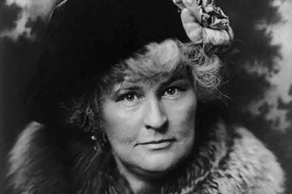 Winifred Bonfils