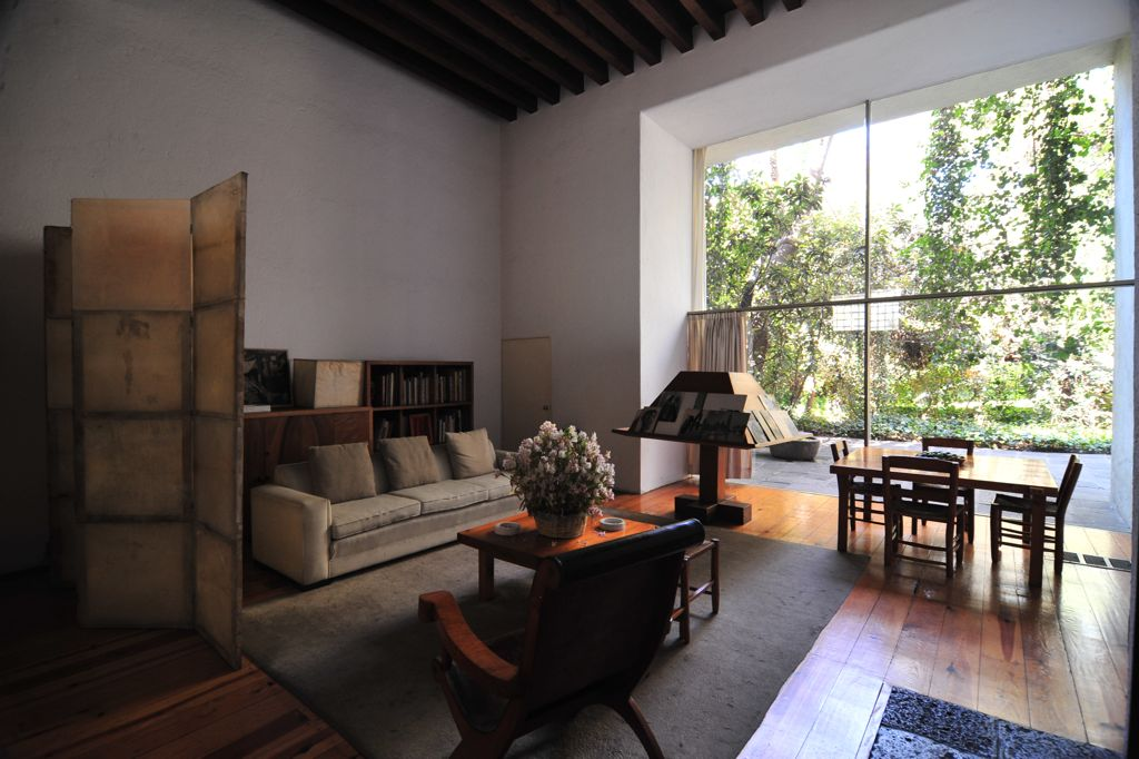 Luis Barragan house living room