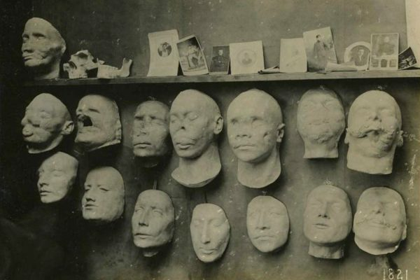 Plaster face casts by Anna Coleman Ladd