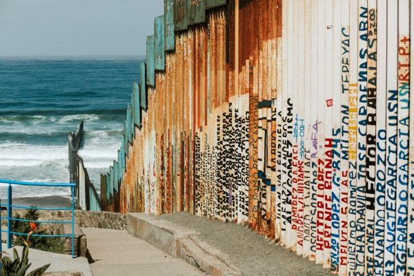 Border between Mexico and US reaching into the pacific ocean