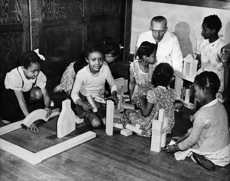 A playroom therapy session at the Lafargue Clinic