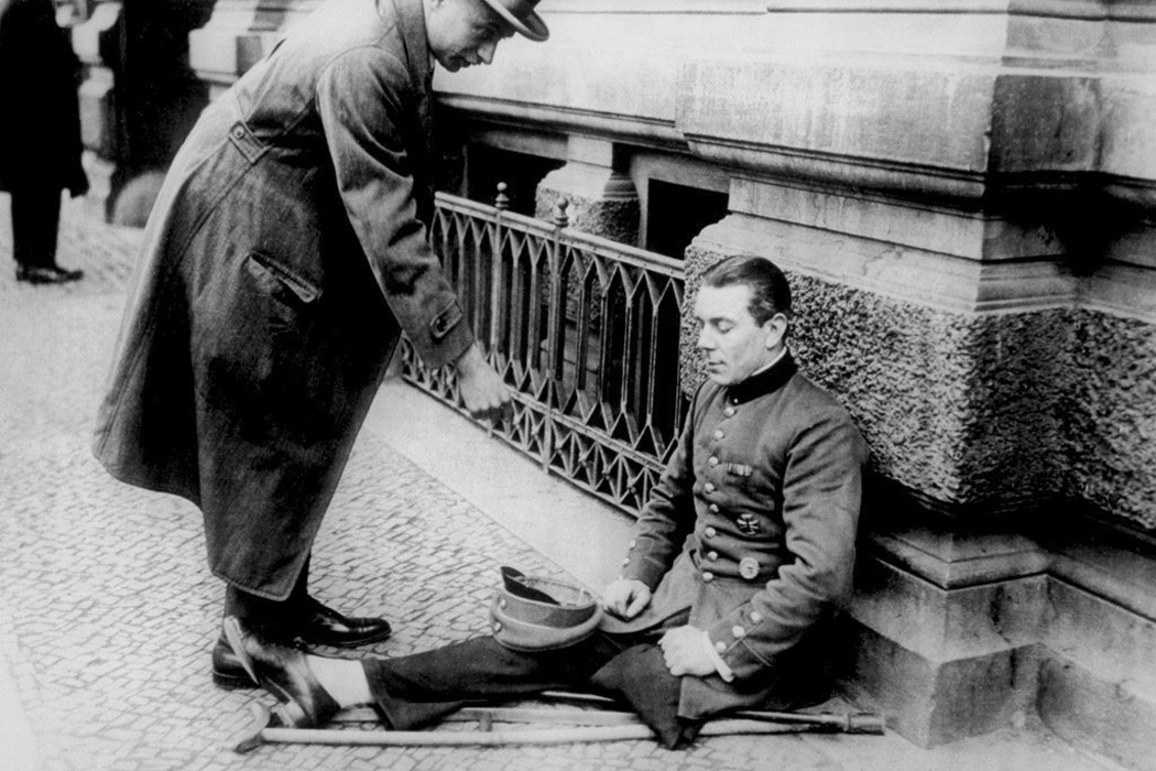 A disabled war veteran in Berlin, 1923