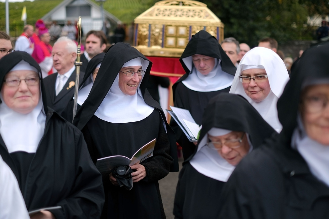 Benedictine nuns from Eibingen Abbey in Germany