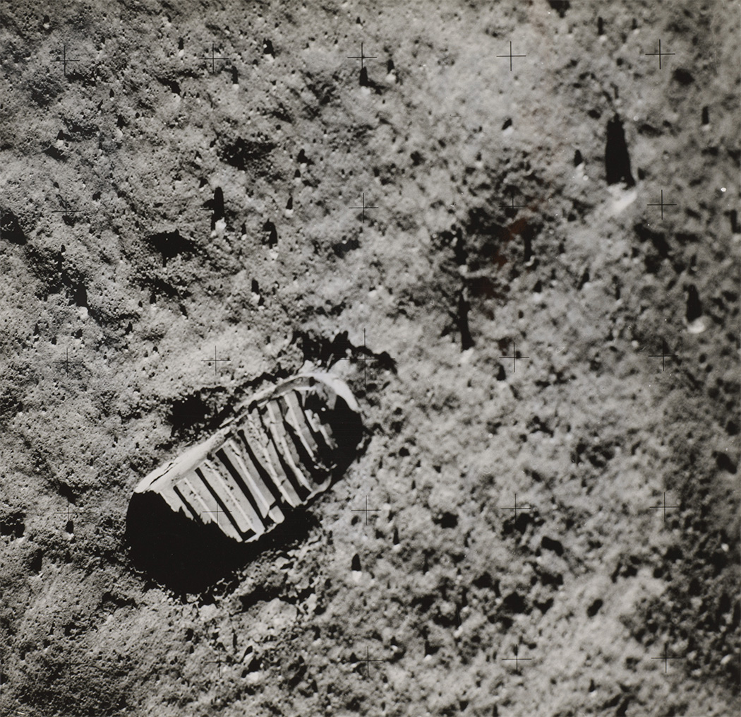 Buzz Aldrin's footprint on the surface of the moon,1969