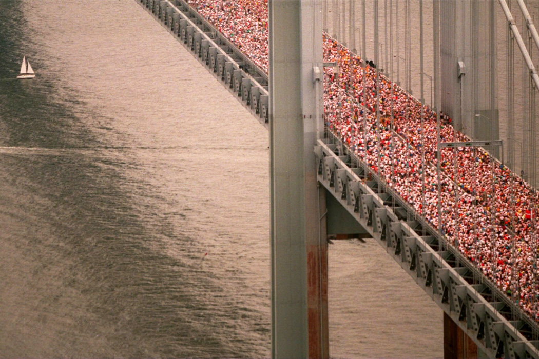 Runners cross the Verrazano Bridge during the 1994 New York Marathon