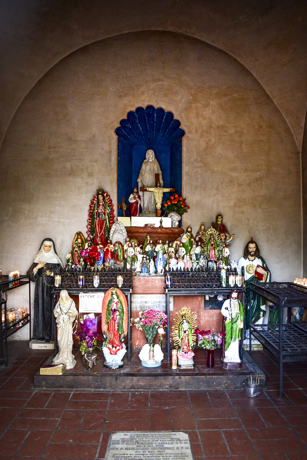 Shrine, Mission San Xavier del Bac, Arizona, USA