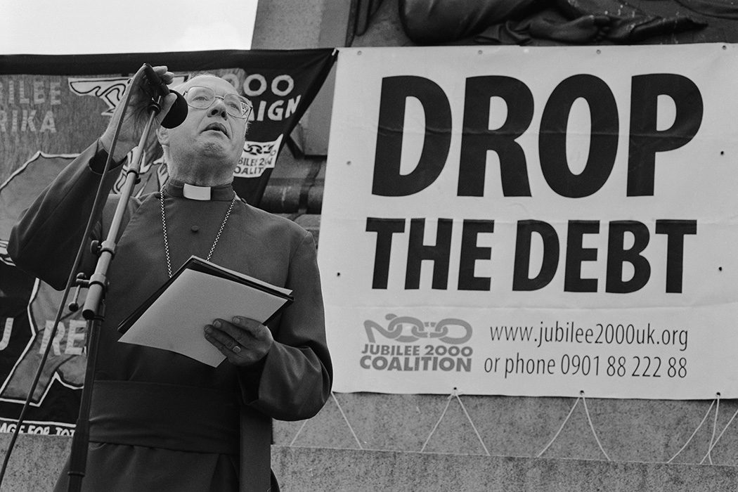 Former Archbishop of Canterbury Robert Runcie (1921 - 2000) addresses a Drop The Debt rally in Trafalgar Square, 13th June 1999.
