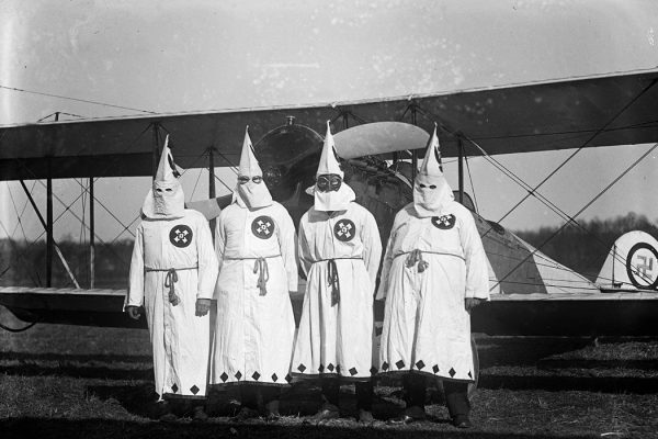 Source: https://commons.wikimedia.org/wiki/File:Klu_Klux_Klan,_3-18-22_LOC_npcc.05904.jpg