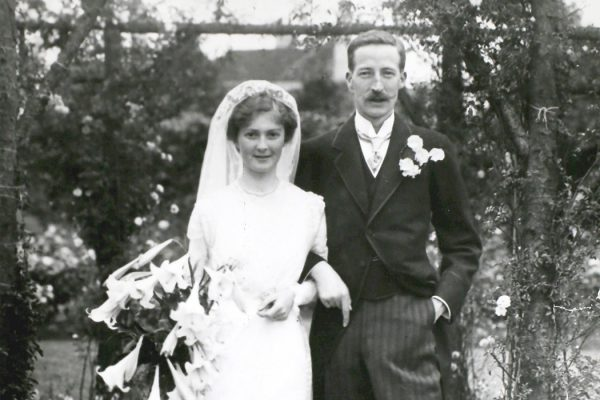 Photograph: Miss Beryl Goode, the well-known golfer, at her wedding to Mr W. J. G. Purnell, July 1913.   Source: Getty